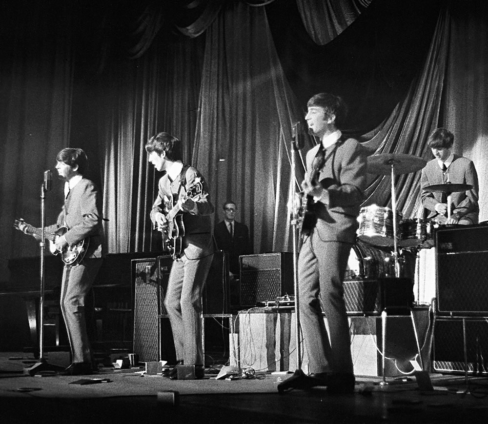 The Beatles: 1963 The Beatles in.. Art Print