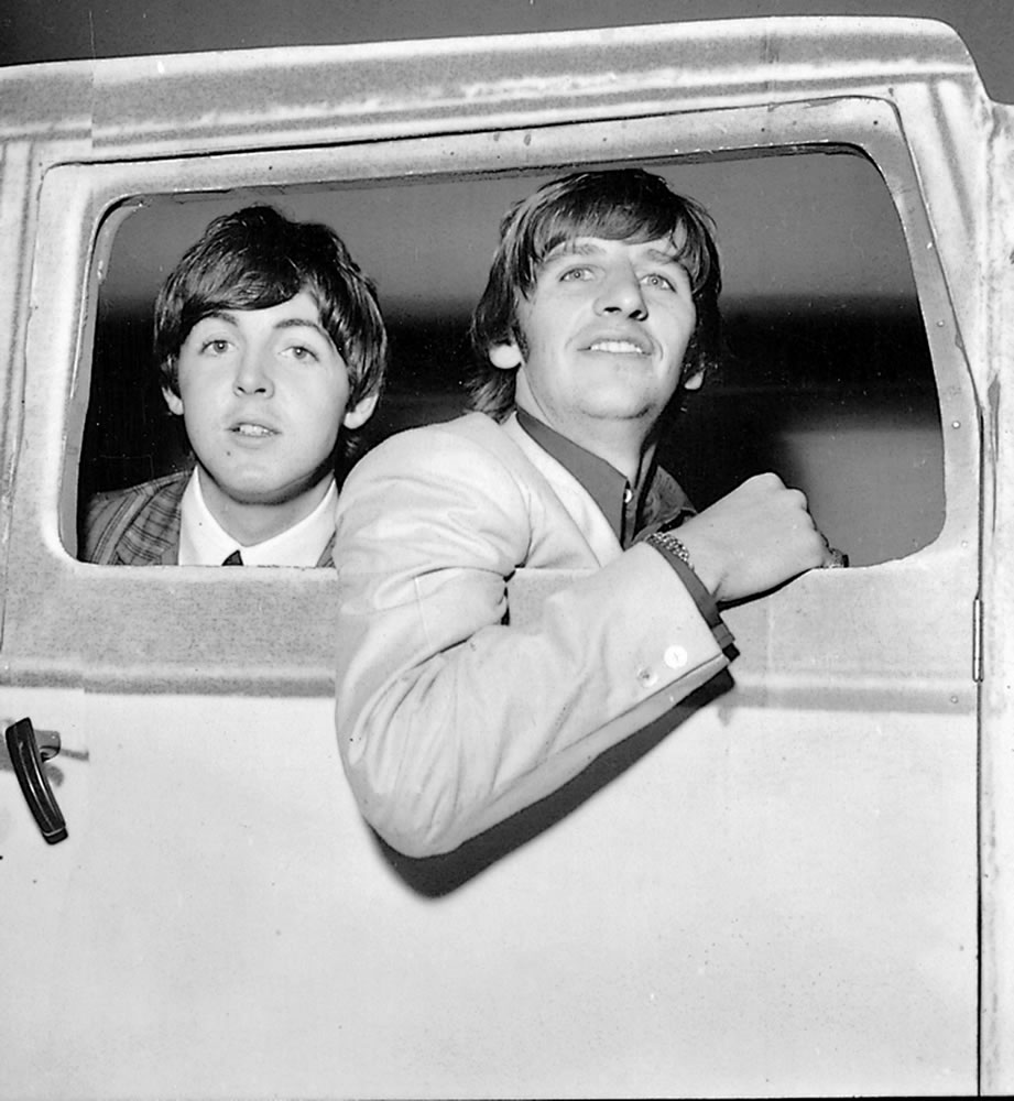 The Beatles: 1964 Paul McCartney and.. Art Print