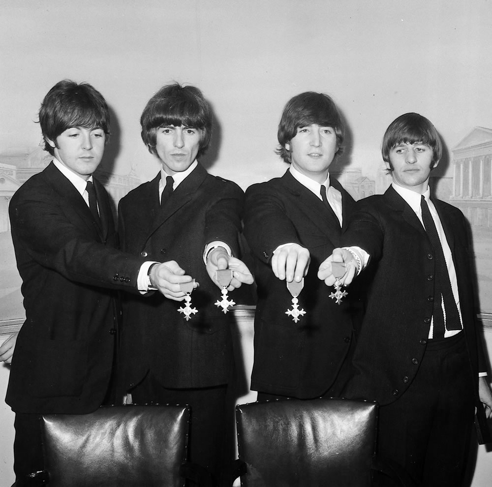 The Beatles: 1964 The Beatles with.. Art Print