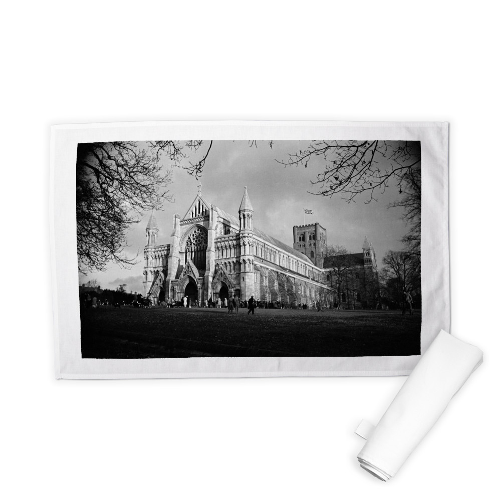 St Albans Cathedral, Hertfordshire... Tea Towel
