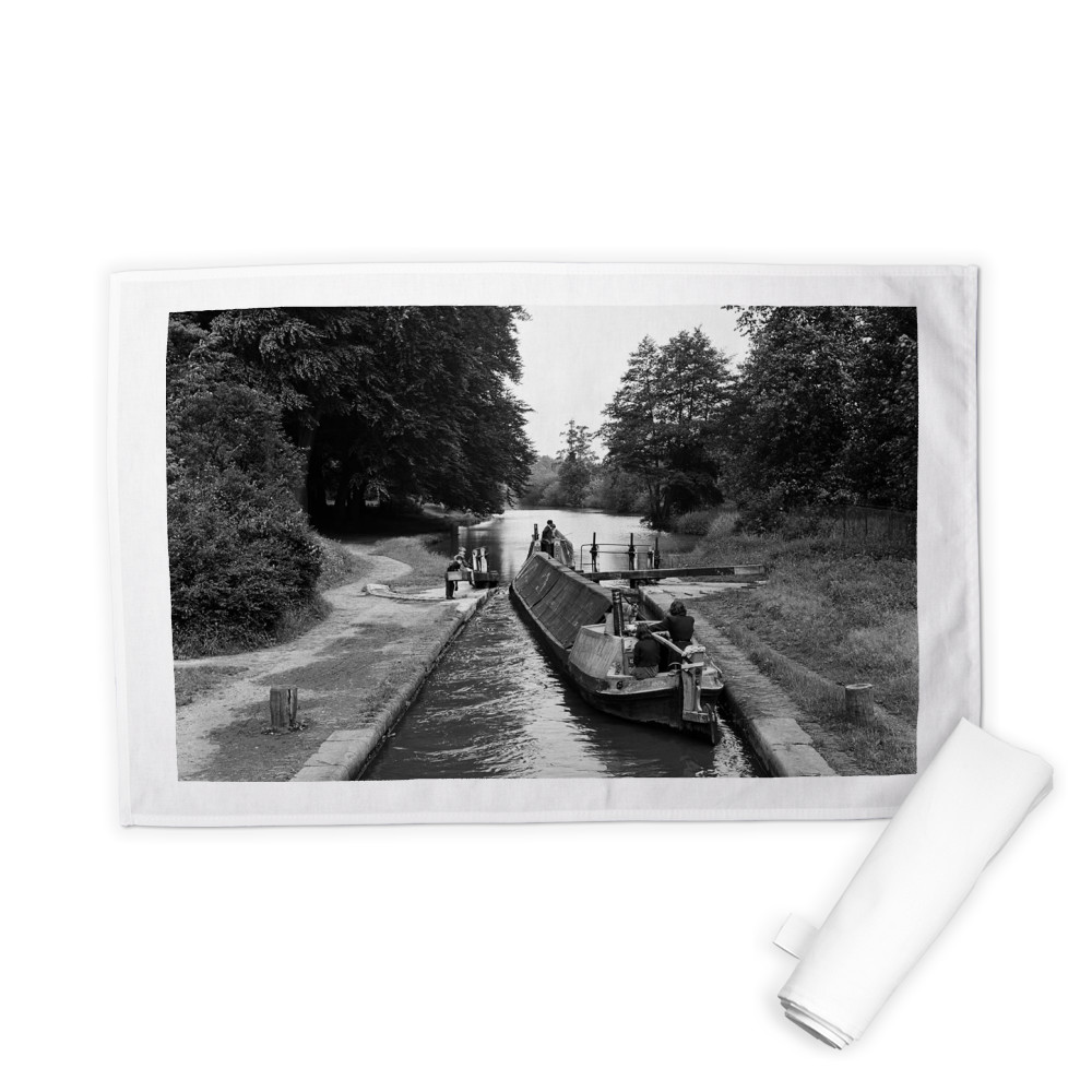 Views along the Grand Union Canal, in.. Tea Towel