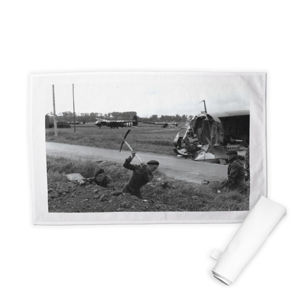48 (RM) Commando dig in near Pegasus Bridge, relieving 12 Parachute.. Tea Towel
