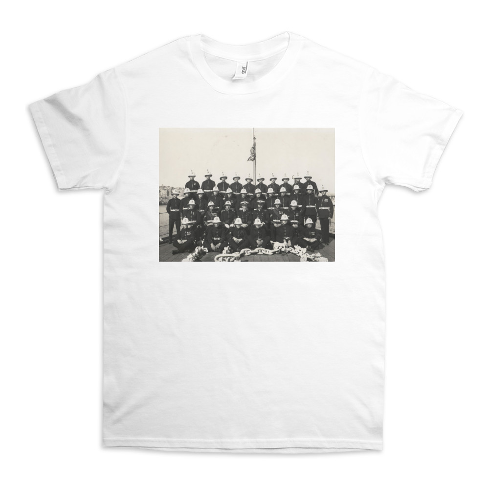 Royal Marine Detachment of the cruiser HMS Ceres with the shipÕs senior.. TShirt